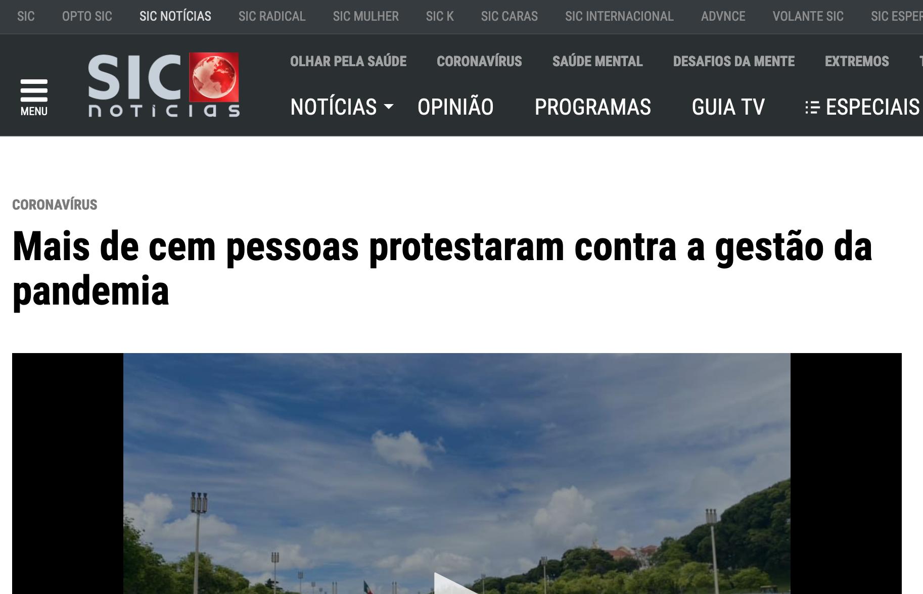 Mais de cem pessoas protestaram contra a gestão da pandemia